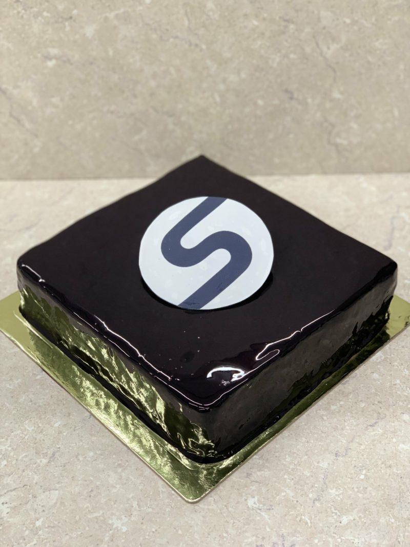 Торт Чёрный квадрат